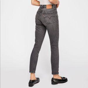 Levi's • 501 High Rise Skinny Jeans Coal Black